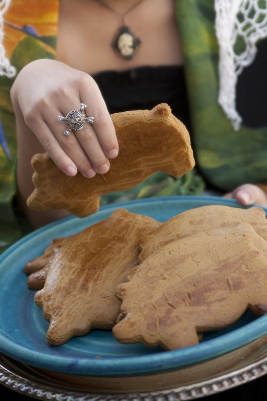 Marranitos / Cochinitos / Puerquitos (Mexican Pig-Shaped Cookies)