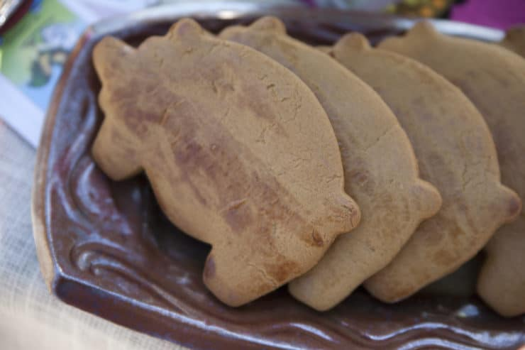 tray with gingerbread piggy cookies marranitos recipe