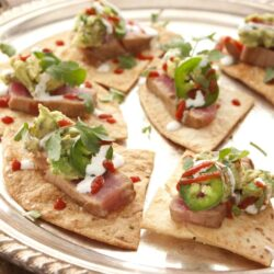 seared-tuna-baked-chips-appetizer