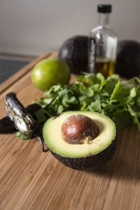 avocado-jalapenos-cilantro-olive_oil-lime