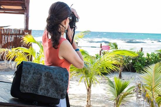 UNDFIND_camera_bag-beach