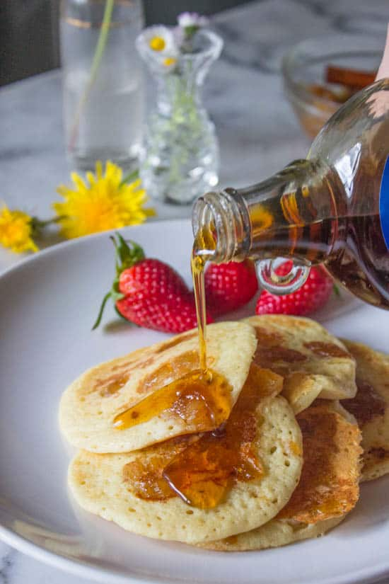 Pineapple Coconut Pancakes for Mother's Day Breakfast (Video) - Muy ...