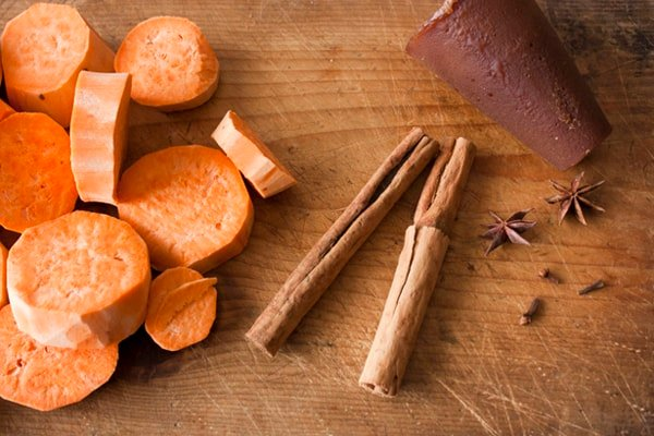 sliced-sweet-potatoes-canela-piloncillo
