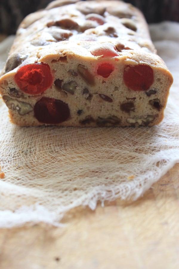 bourbon-pecan-fruitcake
