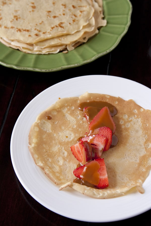 crepes-strawberries-dulce_de_leche