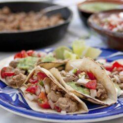 tacos carnitas salsa