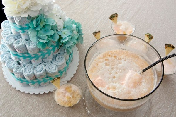 baby shower drink and decor