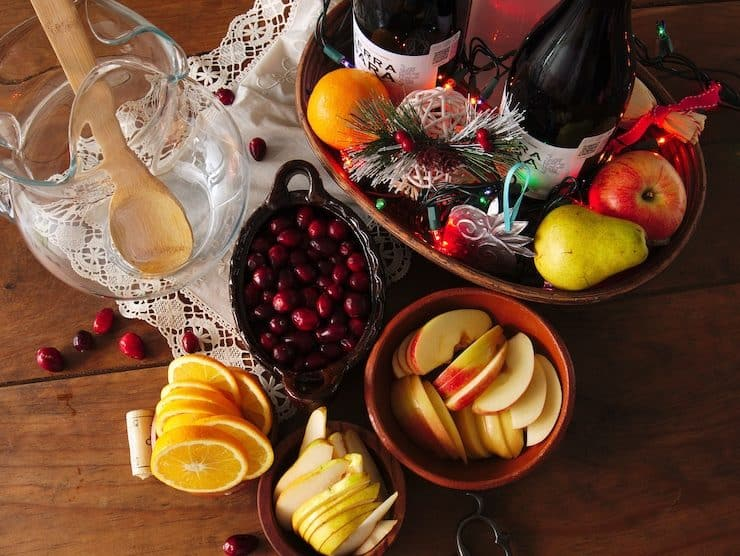 ingredients to make sangria for Christmas