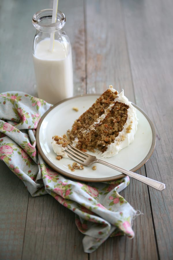 carrot-cake-with-cream-cheese-frosting