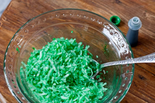 green-coconut-flakes