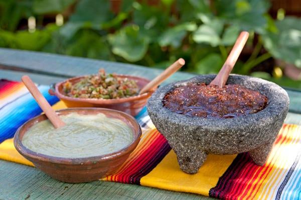 taco-bar-salsas