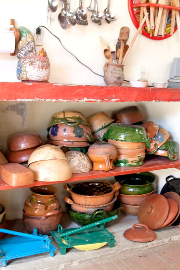 mexican-pottery-kitchen