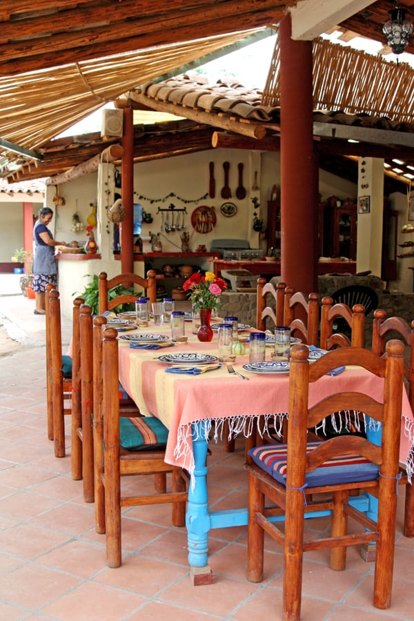 reyna-mendoza-outdoor-kitchen-oaxaca