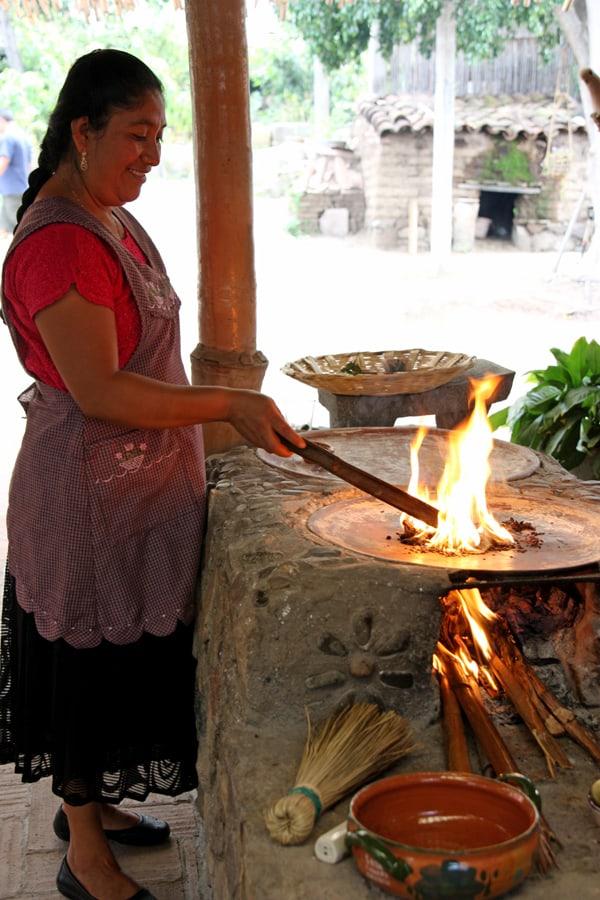 reyna-mendoza-clay-comal