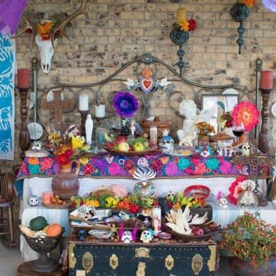 dia-de-los-muertos-altar-day-of-the-dead