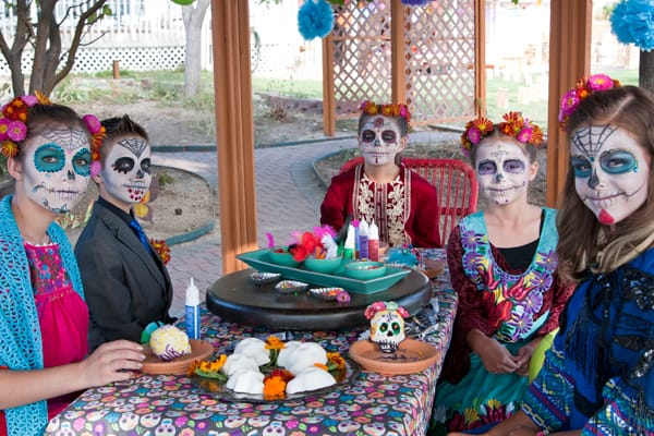 sugar-skull-decorating-party