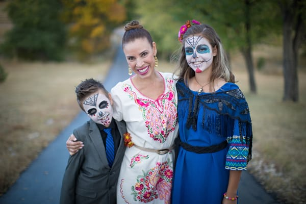 yvette marquez muy bueno children celebrating Day of the Dead Dia de los Muertos