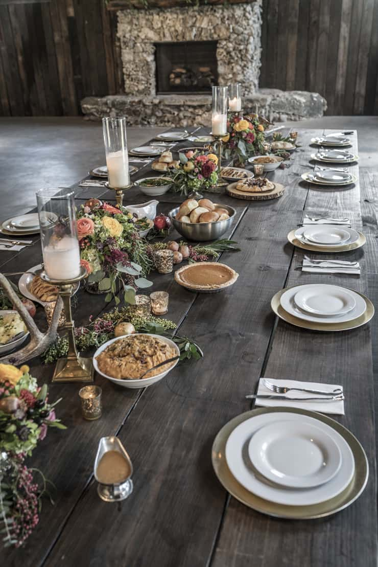 thanksgiving-table-setting-rustic