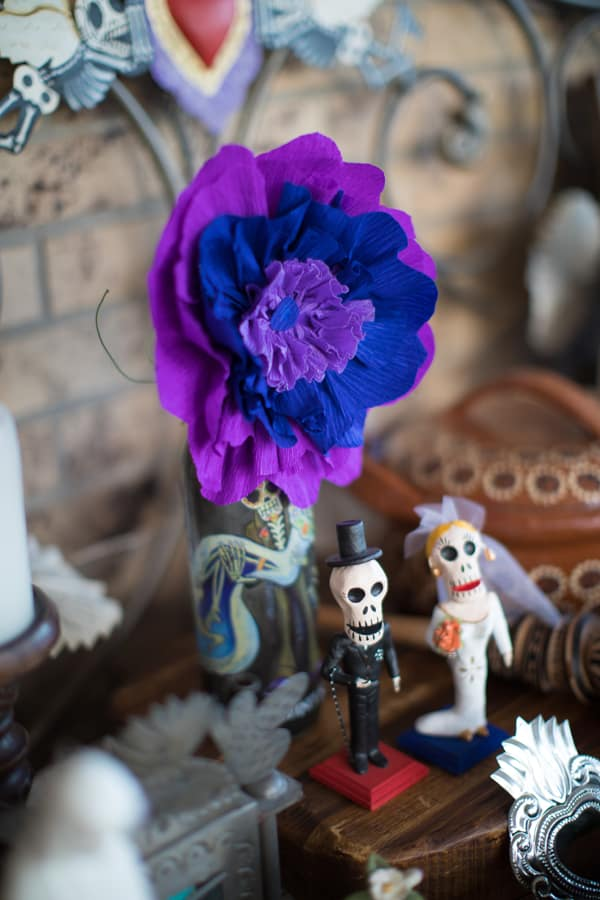 day of the dead bride and groom Day of the Dead Altar Elements
