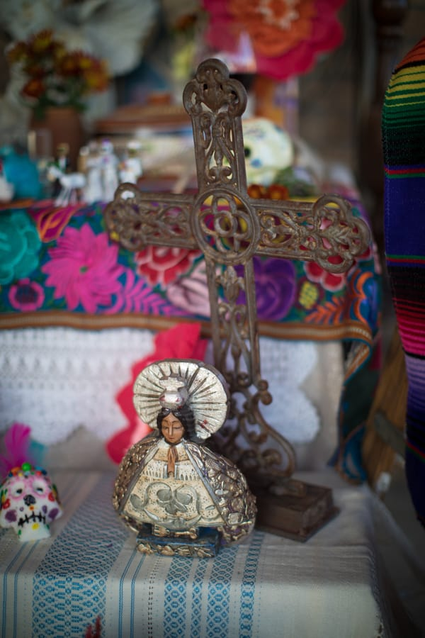 cross and angel for for day of the dead altar elements