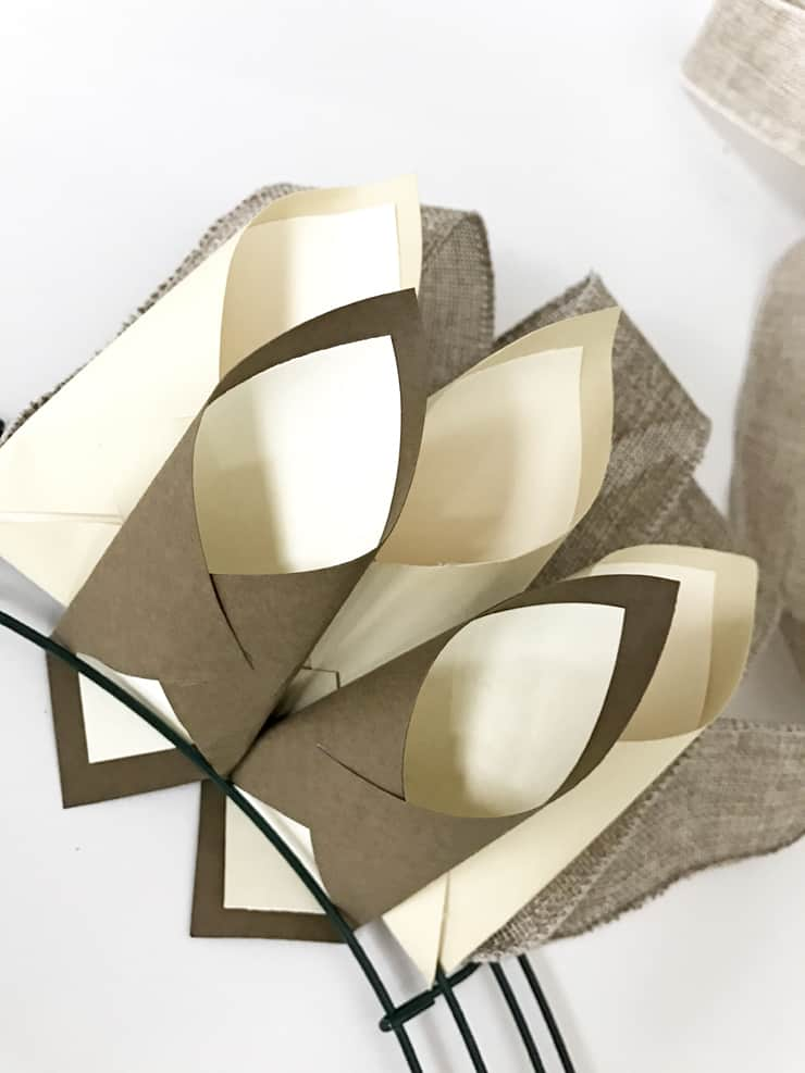 paper-cones-thanksgiving-wreath