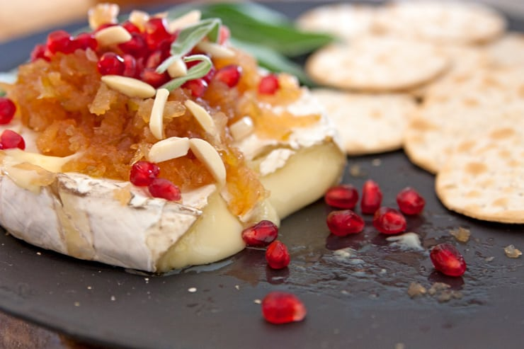 christmas-baked-brie-appetizer