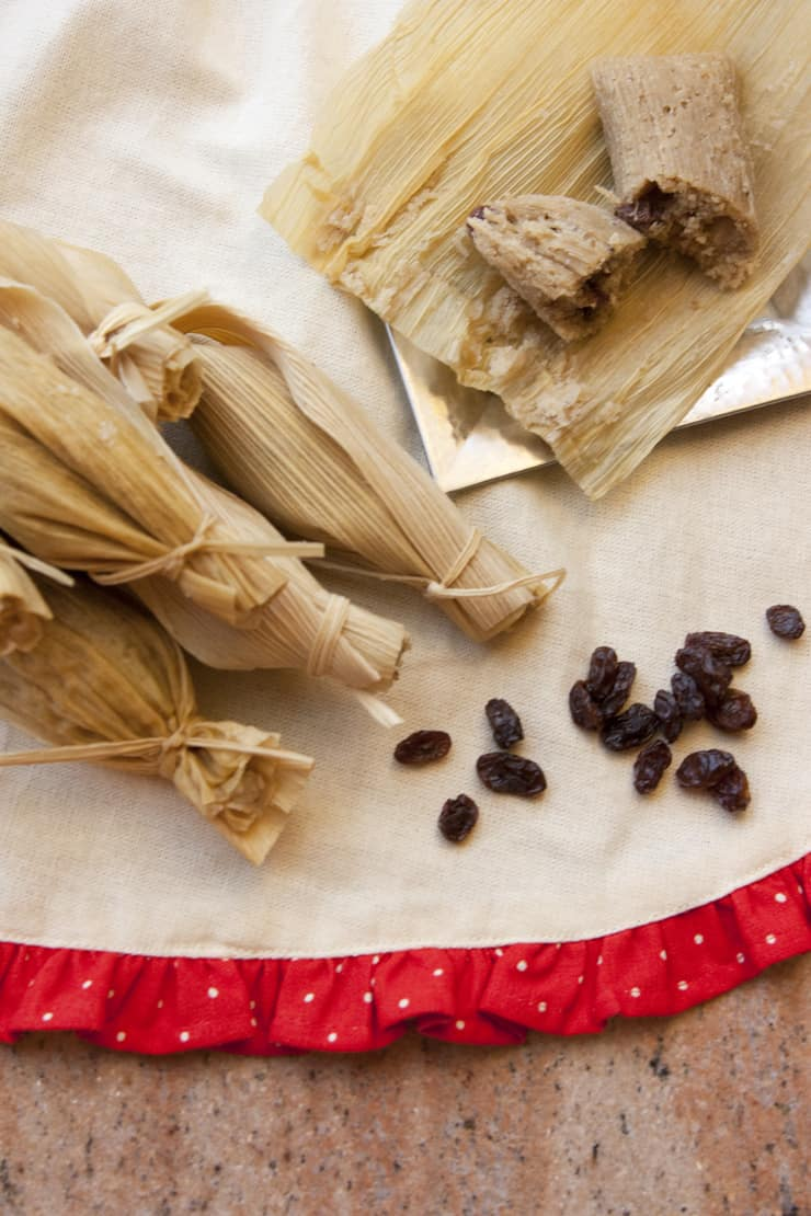 sweet-raisin-tamales