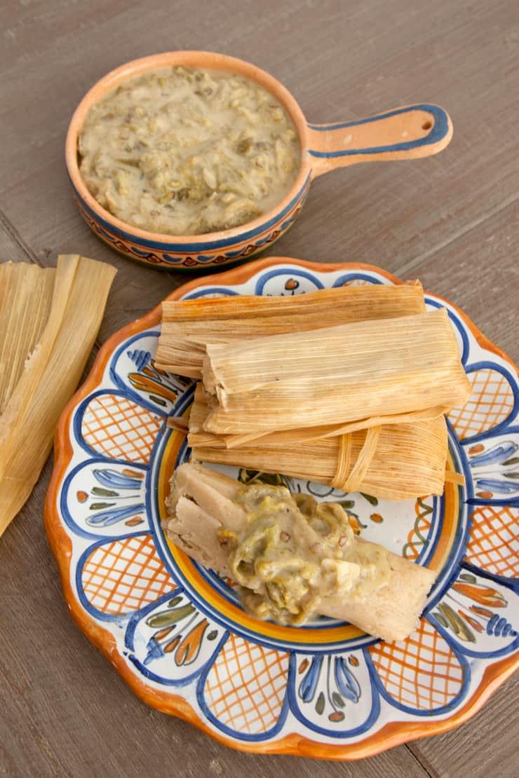 tamales-de-queso-con-rajas