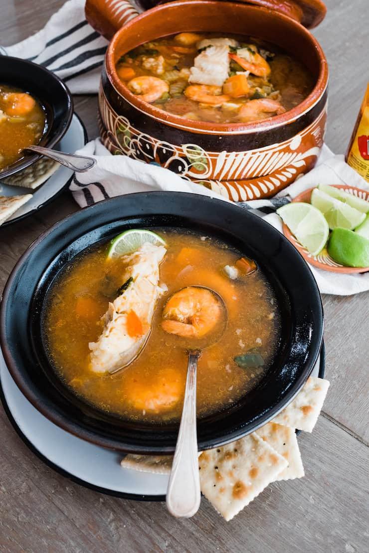 Caldo de pescado y camaron fish and shrimp soup muy for Fish and shrimp soup