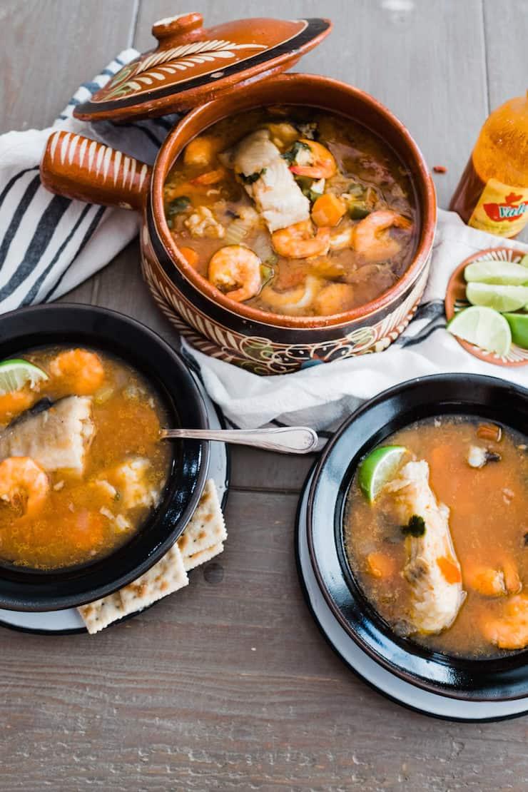 Caldo de pescado y camaron fish and shrimp soup muy for Mexican fish soup recipe