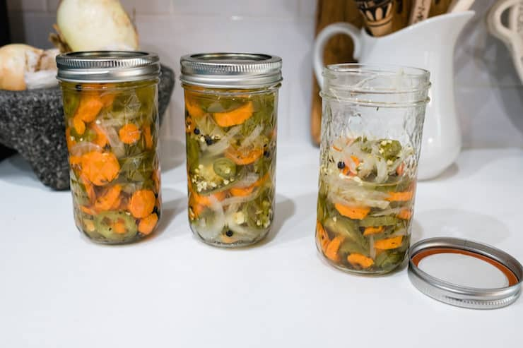 Escabeche (Mexican Spicy Pickled Vegetables)