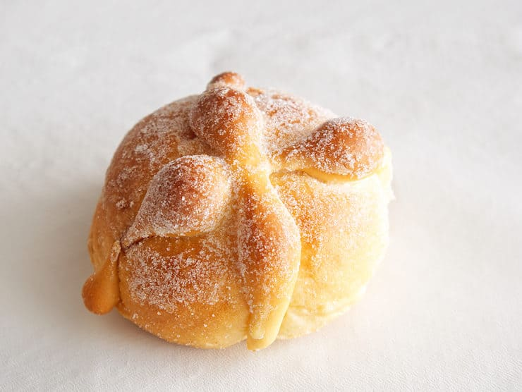 pan de muerto bread of the dead pan dulce sweet bread