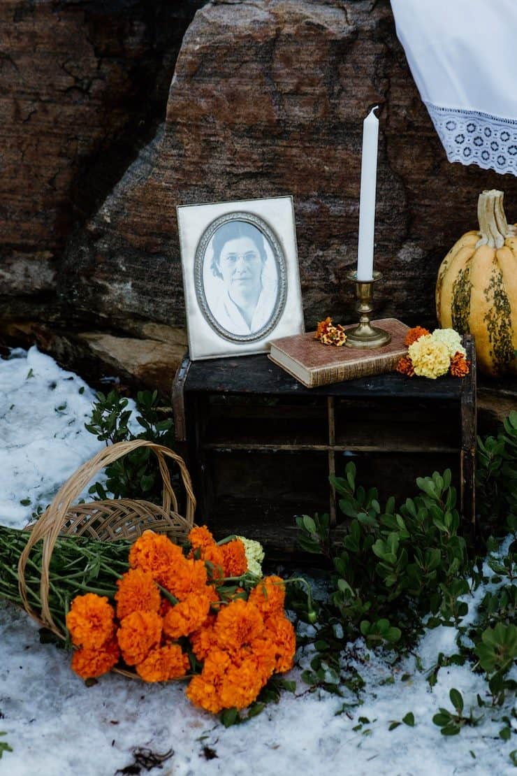 marigolds and candles for day of the dead die de muertos altar