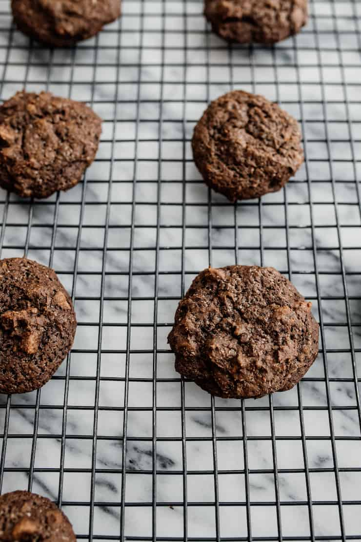 baked mexican hot chocolate cookies on a cooling rack