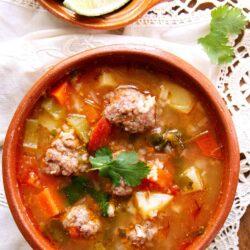 caldo de albondigas soup